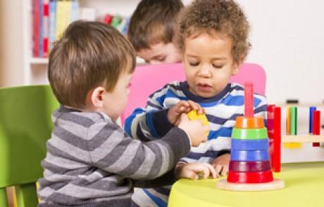 איך ילדים מבינים את היחסים החברתיים שלהם?